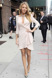 Blake-Lively-And-Her-Beautiful-Outfits-7