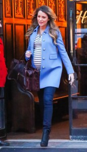 blake-lively-gucci-nyc-street-style-fame__iphone_640