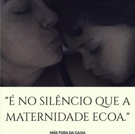 É no silêncio que a maternidade ecoa